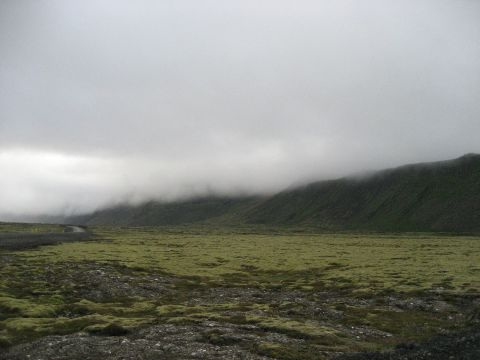 Southern Reykjanes mountains under cloud cover / Südliche Reykanes-Berge unter Wolkenbehang