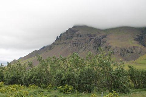 Clouds crashed into a mountain / Wolken die in einen Berg gekracht sind
