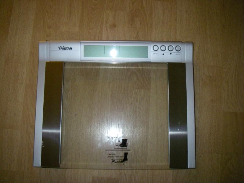 Scale (max 200 kg)